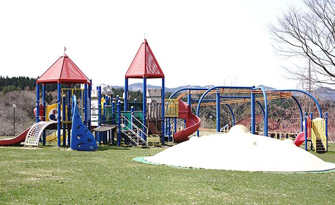 鹿角市アルパス公園遊具2
