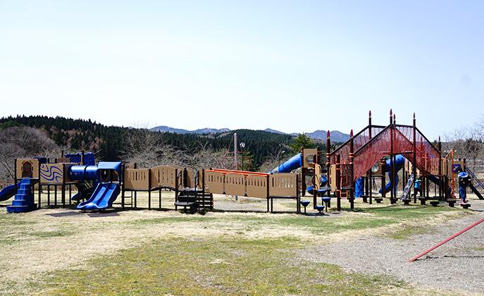 鹿角市アルパス公園遊具3
