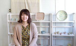 手で生み出す面白さに惹かれて。「練り込み陶芸」を広める女性陶芸家