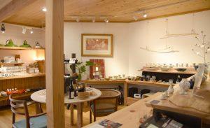 〈秋田市〉誰かの物語に出逢う「秋田良品市庭ごえん」は、手と手を結ぶ店